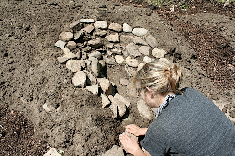 Creating my keyhole to  the garden bed